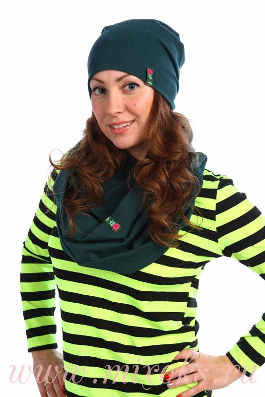 Шапка и шарф-хомут зеленые